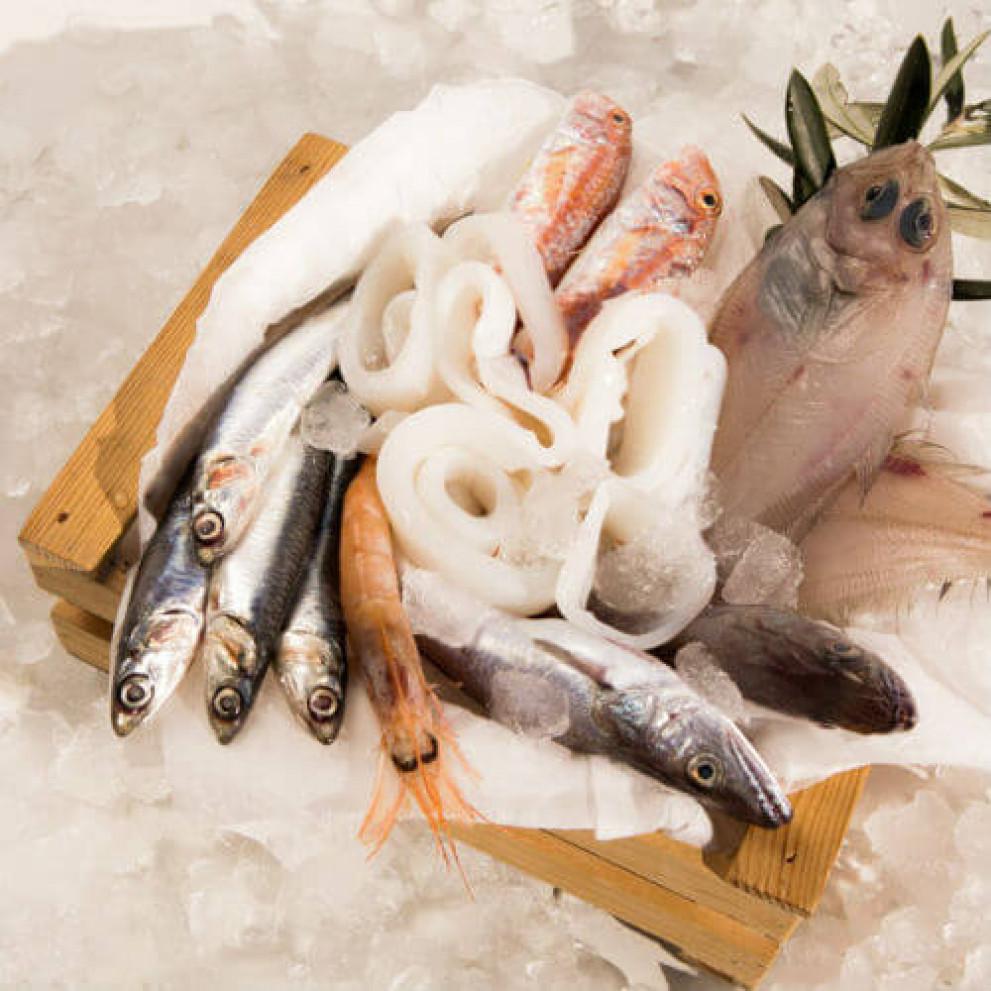 Mix di piccoli pesci da friggere merluzzi triglie for Acquisto pesci online